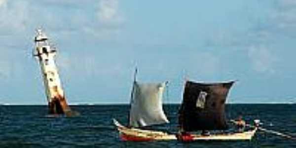 Farol e barcos-Foto:feab-calea.blogspot.com