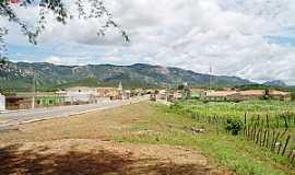 São José do Bonfim - São José do Bonfim, região de Patos - PB, ao fundo Serra do Teixeira.