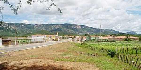 São José do Bonfim, região de Patos - PB, ao fundo Serra do Teixeira.