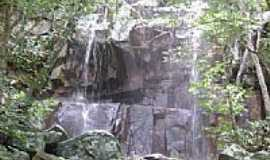 Cacimbinhas - Cachoeira na Serrinha Cacimbinhas por Miguel Tenório de Araújo Neto