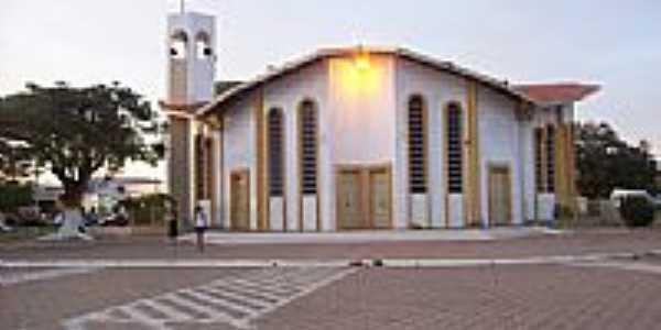 Igreja de S�o Jos� Oper�rio em Casa Nova-Foto:ADALBERTO ELETRICIST�