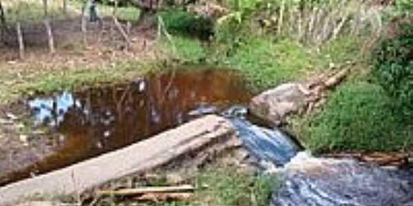 Derivação de água-Foto:Belquior