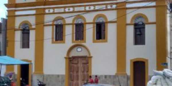 Matriz Nossa Senhora da Conceição  fundada em  1766, Por SEBASTIAO DOS SANTOS
