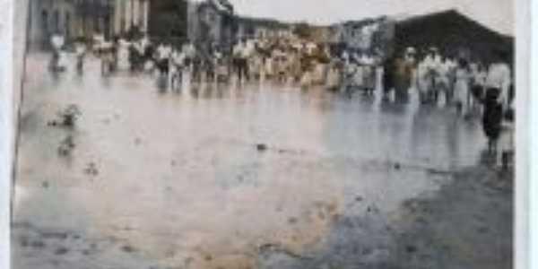 o rio transbordou, Por cida