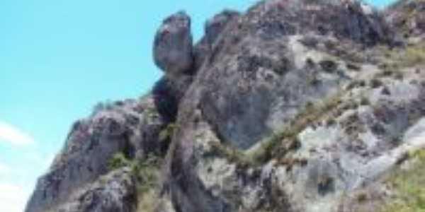 pedra dos caboclos, Por Robson josé valença da silva