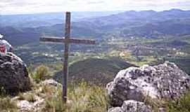 Catolés - Cruzeiro no topo da Serra da Tromba em Catolés-BA-Foto:toninhocavanha