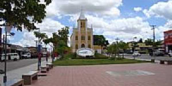 Praça do Relógio e Igreja Matriz de Buíque-PE-Foto:flordehavana