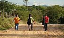 Caiçarinha da Penha - Chegando em Caiçarinha-Foto:Elio Rocha