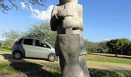 Fazenda Nova - Fazenda Nova e o parque de esculturas em pedras granito feitas por artesões da região. - por Walter Leite