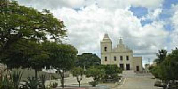 Praça e Igreja-Foto:magalhães jaime