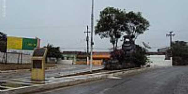Frei Miguelinho-PE-Monumento na entrada da cidade-Foto:Sergio Falcetti