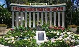 Garanhuns - Parque Ruber Van Der Linden-Foto:Elio Rocha
