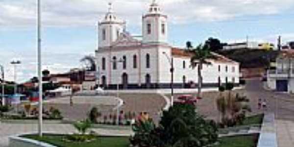 Praça e Igreja Matriz de Cícero Dantas-BA-Foto:valtonandrade