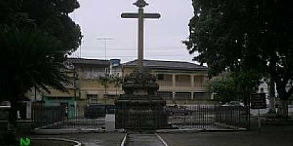 Goiana-PE-Cruzeiro em frente à Igreja do Carmo-Foto:Marcus Junior