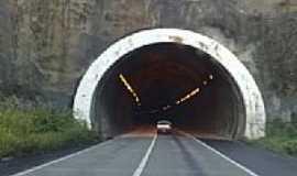 Gravatá - Entrada do túnel na subida da Serra das Russas em Gravatá-Foto:Jorge Hirata