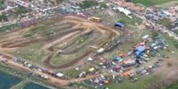 vista aérea da pista de motocross, Por wendell barros