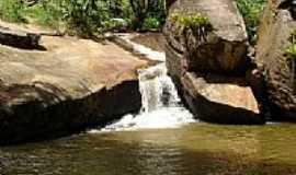 Ibirajuba - Ibirajuba - cachoeira por Petronio Gonçalves