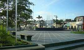 Coaraci - Coaraci-BA-Fonte na Praça Nelson Moura-Foto:Portal Mix