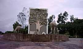 Cajueiro - Monumento na entrada de Cajueiro-Foto:mfmjunior
