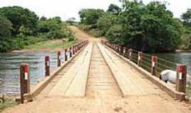 Cocos - Cocos-BA-Ponte sobre o Rio Itaguari-Foto:Rômulo Henok