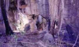 Cocos - Trono de Pedra e inscri��es ind�genas,  Potreiro, Por Saulo Viana