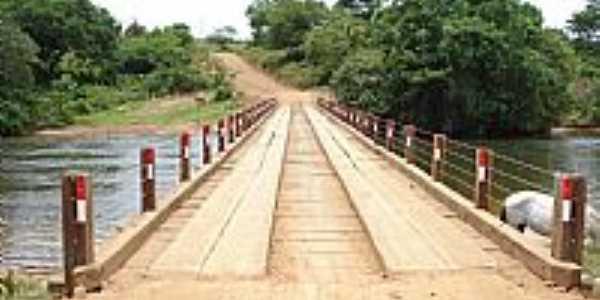 Cocos-BA-Ponte sobre o Rio Itaguari-Foto:Rômulo Henok