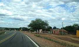 Jutaí - Jutaí-PE-Rodovia BR-122 passando pela cidade-Foto:Jorge Hirata