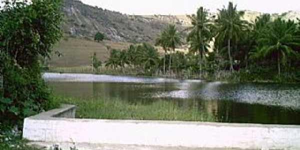 Lagoa do Souza-PE-Vista da Lagoa e a serra-Foto:arisilva1@gmail.com