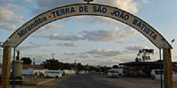 Pórtico de entrada de Mirandiba-Foto:wadsoncantarelli