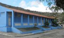 Panelas - grupo escolar onde funcionou, temporarimente, a prefeitura municipal., Por Gilzete Galvão