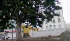 Panelas - Praça em frente à Igreja Matriz, Por Gilzete Galvãol