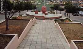 Quixabá - Quixabá-PE-Praça do Monumento Antônio Pereira de Carvalho-Foto:Sergio Falcetti