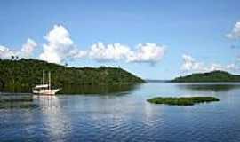 Coqueiros - Barco no rio em Coqueiros-Foto:Raimundo Laranjeira