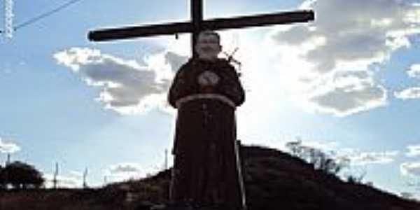 Santa Cruz-PE-Imagem em homenagem à Frei Damião-Foto:Sergio Falcetti