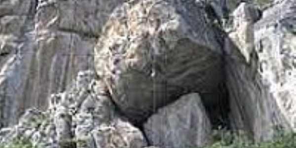 Pedreira na Serra em Santa Cruz do Capibaribe-PE-Foto:mais.uol.