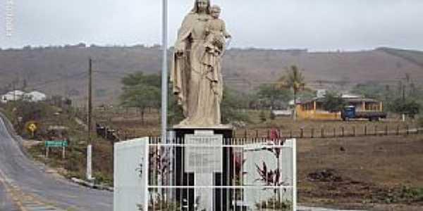 Santa Maria do Cambuc�-PE-Imagem em homenagem � N.Sra.do Ros�rio na entrada-Foto:Sergio Falcetti