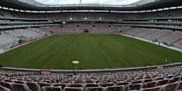 Vis�o interna da Arena da Copa em S�o Louren�o da Mata-PE