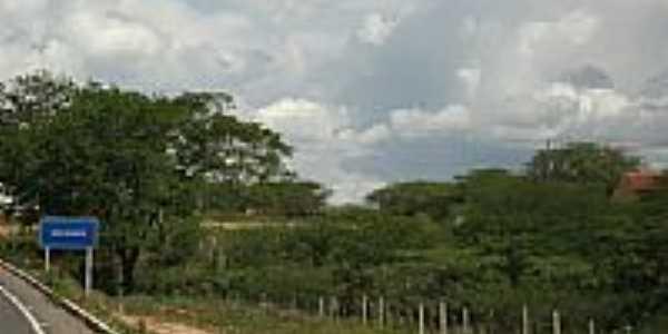 Placa indicativa na rodovia em São Vicente-Foto:w/w