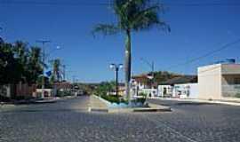 Coribe - Avenida São João  em Coribe-Foto:Rômulo Henok
