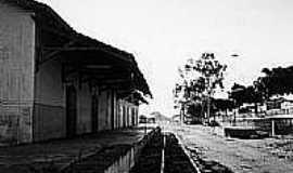 Tacaimbó - Plataforma da Estação Ferroviária de Tacaimbó-Foto:Luiz Ruben F. de A. Bonfim