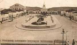 Tacaimbó - Praça Francelino Araújo(1969)em Tacaimbó-PE-Foto:Garçon França
