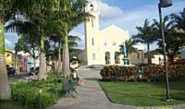 Taquaritinga do Norte - Praça e Igreja Matriz de Santo Amaro em Taquaritinga do Norte-PE-Foto:Fábio Monte Lima