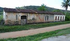 Corta Mão - Corta Mão-BA-Ruínas da antiga Estação Ferroviária-Foto:Itailson Souza