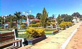 Cotegipe - Praça da Bandeira em Cotegipe-BA-Foto:xaviers