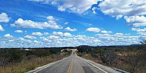Urimamã-PE-Chegando na cidade pela Rodovia PE-555-Foto:Jorge Hirata