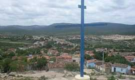 Cravolândia - Cravolândia-BA-Cruzeiro e a cidade ao fundo-Foto:Luiz A. A. Nunes