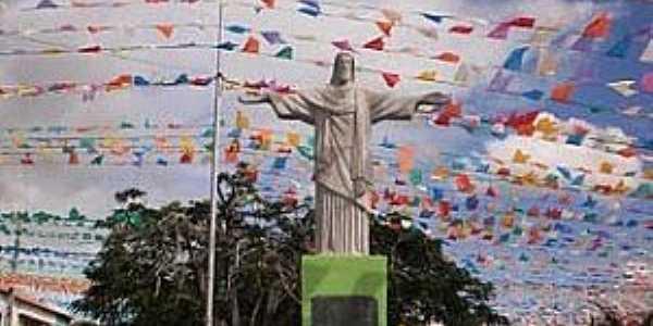 Cravolândia-BA-Cristo Redentor no centro-Foto:Gilmar lima santana
