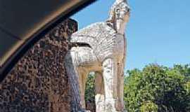 Altos - Estátua-Foto:marcelocustódio