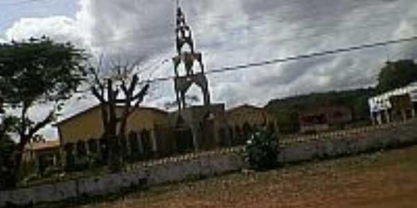Igreja na entrada de Altos-Fotojananiaspi