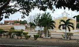 Alvorada do Gurguéia - Praça , no fundo Igreja Assembléia de Deus e Igreja Católica , Alvorado do Gurguéia por walterfmota